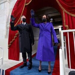 初の女性副大統領、カマラ・ハリスが就任式のファッションに込めたメッセージ。