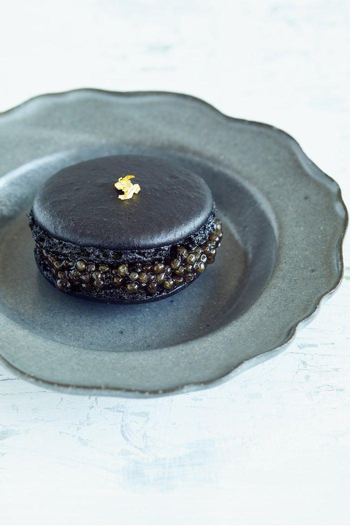 Caviar Macaron(キャビアマカロン)2,592円/画像提供:CAVIAR HOUSE & PRUNIER JAPAN
