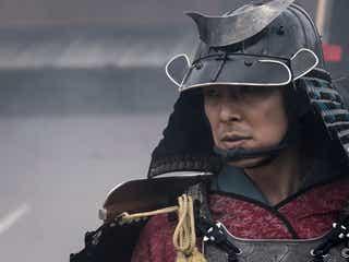 長谷川博己演じる明智光秀、道三が決断した籠城に反対するも!?『麒麟がくる』第2話