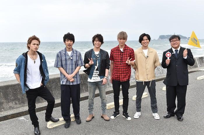 上田竜也、中丸雄一、亀梨和也、小山慶一郎、加藤シゲアキ、竹山隆範(C)TBS
