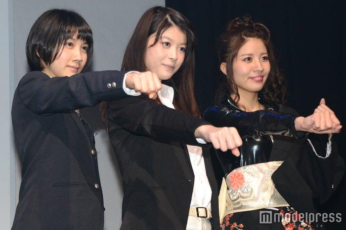 (左から)松本穂香、馬場ふみか、木本夕貴(C)モデルプレス