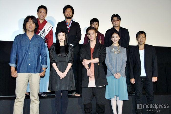 映画『るろうに剣心』メインキャスト陣ら。左下段から江口洋介、蒼井優、佐藤健、武井咲、香川照之
