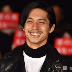 観客とともに映画を鑑賞した錦戸亮(C)モデルプレス
