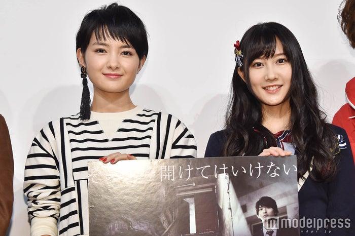 「ホラーの天使」の舞台挨拶に登壇した葵わかな、矢倉楓子 (C)モデルプレス