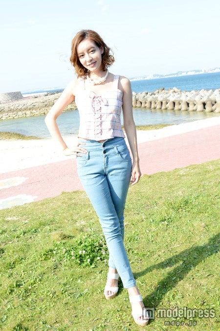 沖縄の海と太陽の陽射しの中で/大沢ケイミ