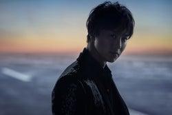 EXILE TAKAHIRO、力強い眼差しで魅了