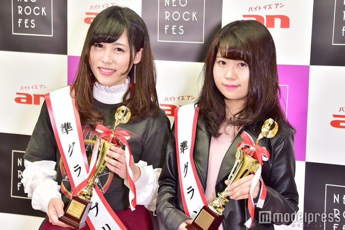 左から:小倉可愛さん、木戸玲奈さん(準グランプリ) (C)モデルプレス