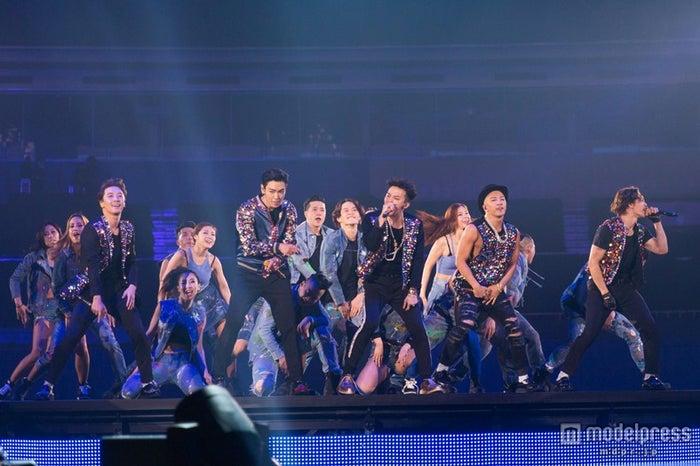 BIGBANG、史上初の快挙 総動員数74万1000人の日本ツアー開幕【モデルプレス】