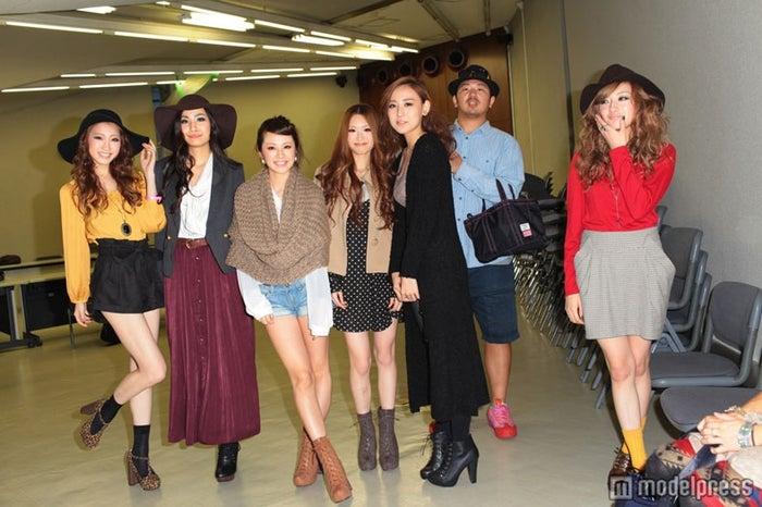 (左から)田辺音羽さん、須川未来さん、村上紫保さん、佐竹菜奈さん、大江佳恋さん、高園あずささん