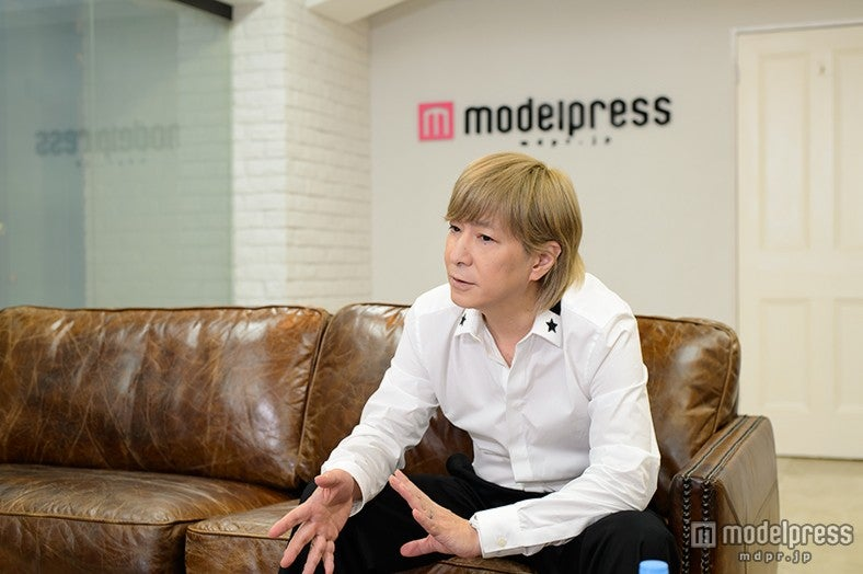モデルプレスのインタビューに応じた小室哲哉【モデルプレス】