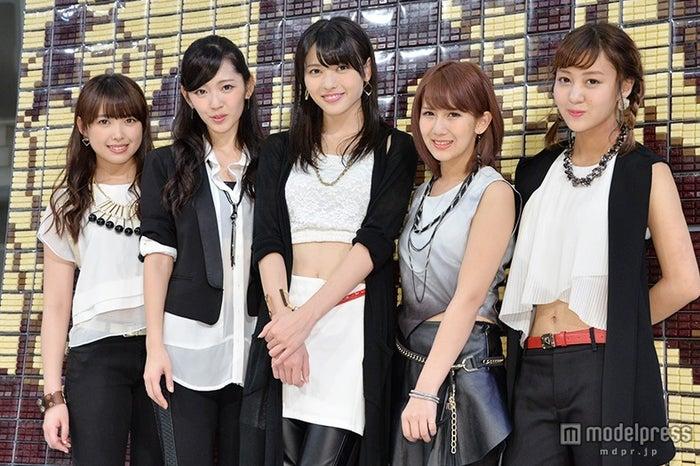 ℃-ute/左から:中島早貴、鈴木愛理、矢島舞美、岡井千聖、萩原舞(C)モデルプレス