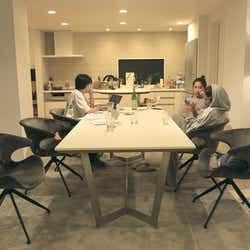 香織、春花、莉咲子「TERRACE HOUSE TOKYO 2019-2020」5th WEEK(C)フジテレビ/イースト・エンタテインメント