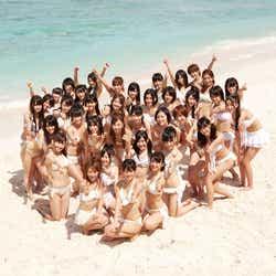 モデルプレス - AKB48、選抜36人が白ビキニで統一 新作ジャケット解禁