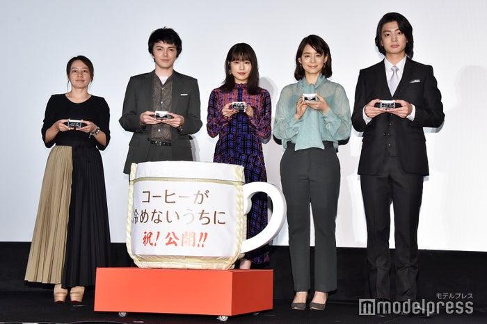 (左から)塚原あゆ子監督、林遣都、有村架純、石田ゆり子、伊藤健太郎 (C)モデルプレス