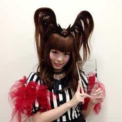 モデルプレス - きゃりー、「ミュージックジャケット大賞2012」受賞