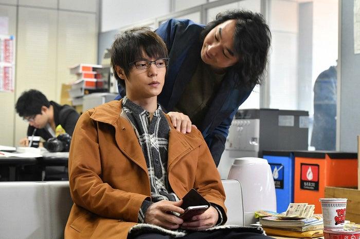 窪田正孝、池田鉄洋/「アンナチュラル」第5話より(C)TBS