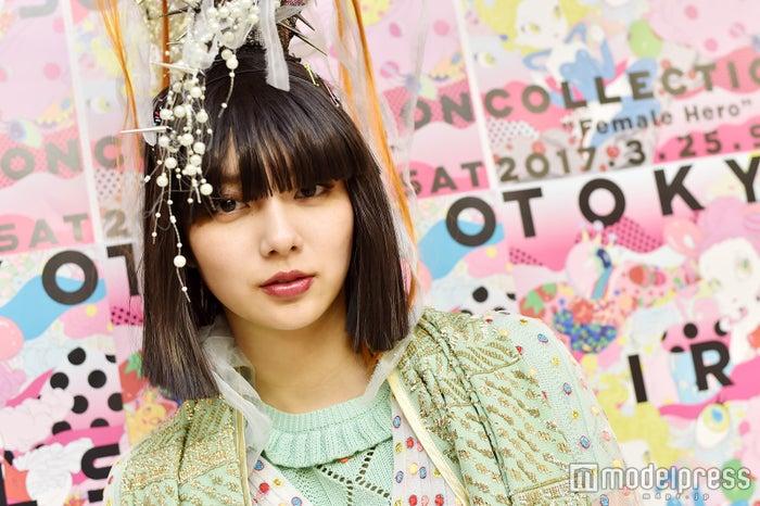 モデルプレスのインタビューに応じた新川優愛 (C)モデルプレス