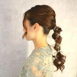 モデルプレス - 骨格ストレートに似合うヘアアレンジ15選!顔まわりがスッキリ見える大人スタイル
