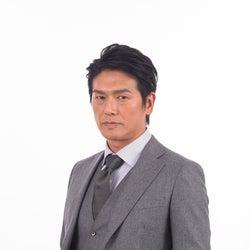 高橋克典・吉沢悠・小関裕太ら、スーツ着こなしズラリ 新ドラマ「特命刑事 カクホの女」追加出演者発表