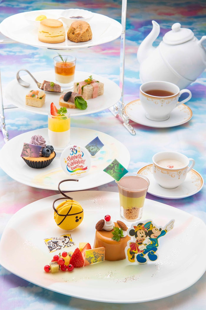 "Tokyo Disney Resort 35th""Happiest Celebration!""Grand Finale アフタヌーンティーセット(¥4,000) (C)Disney"