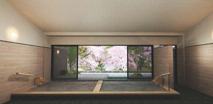 四季折々の景観を眺められる大浴場/画像提供:星野リゾート