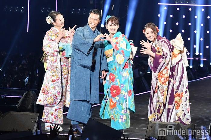 (左から)宮野陽名、市原隼人、早見あかり、佐々木希(C)モデルプレス