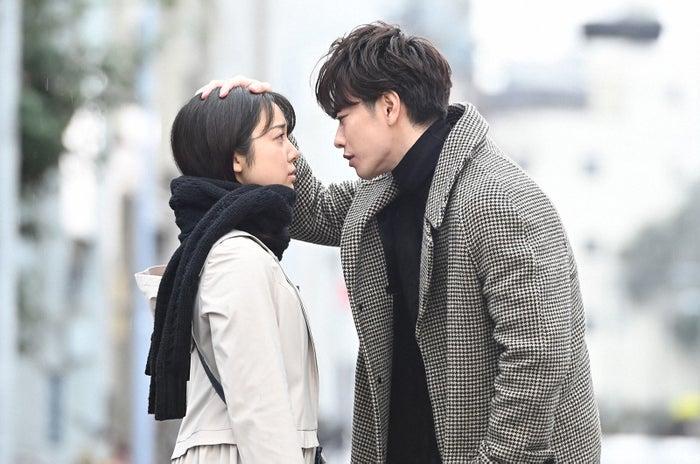 上白石萌音、佐藤健/「恋はつづくよどこまでも」最終話より(C)TBS