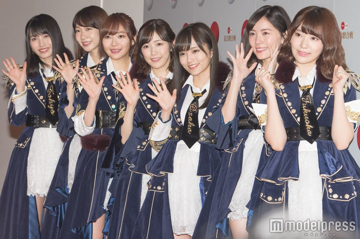 (左から)横山由依、柏木由紀、指原莉乃、渡辺麻友、山本彩、松井珠理奈、宮脇咲良(C)モデルプレス