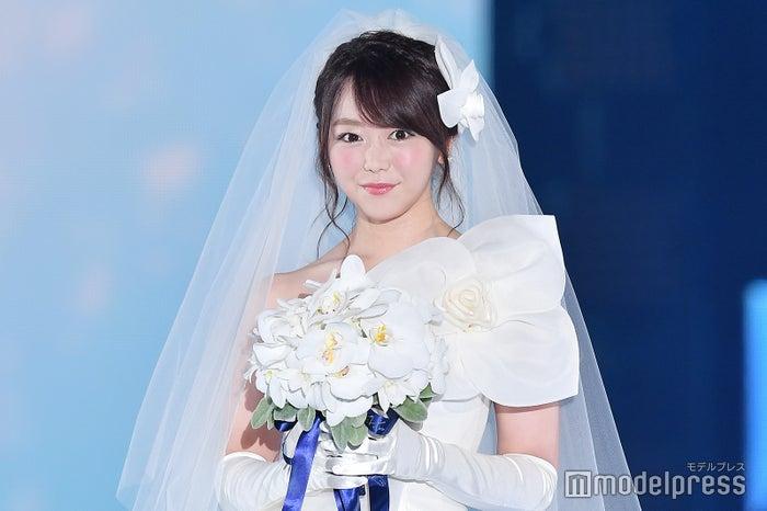 峯岸みなみ、ウエディングドレス姿で結婚相手の条件明かす  「婚活は禁止されていない」 (C)モデルプレス