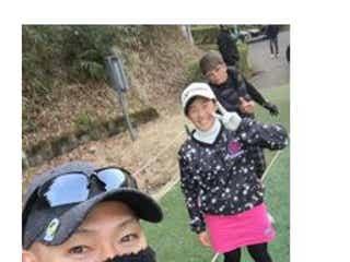 ゴールデンボンバー・樽美酒が豪華メンバーとのゴルフ写真を公開