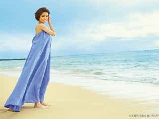 上戸彩、ハワイで大人の魅力全開 爽やかブルーワンピで際立つ美貌