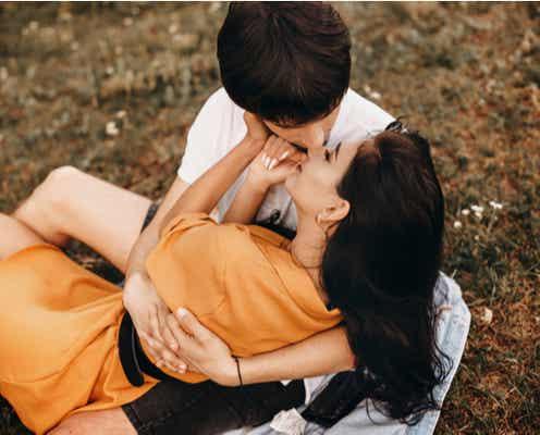 キュンが止まらんっ♡女性をメロメロにする【優しいキス】って?