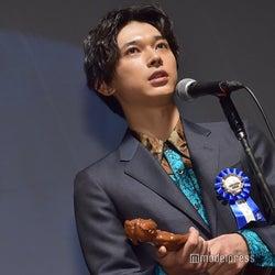 吉沢亮、公開作8本で最優秀新進男優賞を受賞「頑張ってよかった」<第10回TAMA映画賞>