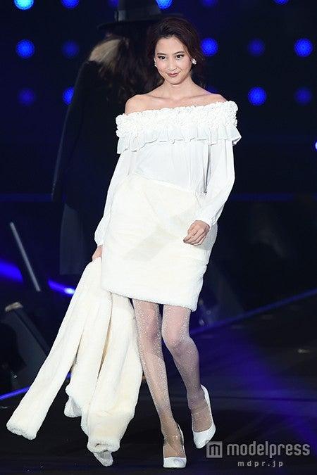 「第21回 東京ガールズコレクション2015 AUTUMN/WINTER」に出演した河北麻友子【モデルプレス】