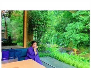 """板野友美、温泉宿で""""色っぽ""""浴衣姿披露 湯河原で誕生日旅行"""
