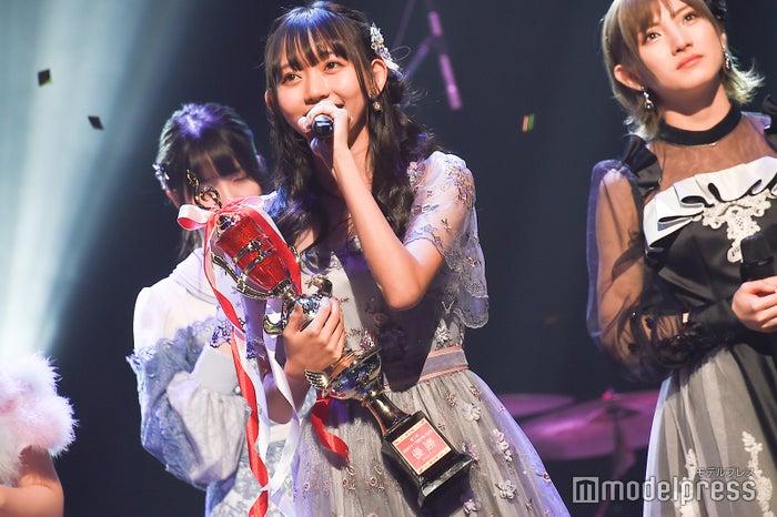 最後に「365日の紙飛行機」をメインで歌う野島樺乃/「AKB48グループ歌唱力No.1決定戦」決勝大会 (C)モデルプレス