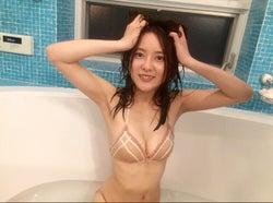 美人すぎるタクシードライバー生田佳那、初体験のお風呂ショットで美ボディ開放<未公開オフショット到着>