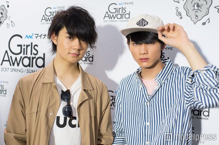 モデルプレスのインタビューに応じたM!LK(左から)佐野勇斗、板垣瑞生 (C)モデルプレス