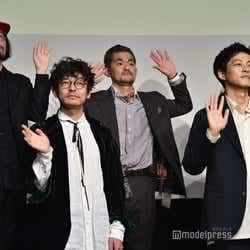 (前列左から)山中崇、松坂桃李(後列左から)今泉力哉監督、芹澤興人、若葉竜也(C)モデルプレス