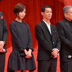 戸田恵梨香(左)と加瀬亮(右)