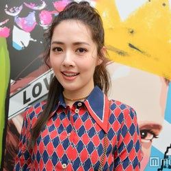 weibo(微博)フォロワー1500万人超の中国人気女優、日本のファッションショーに驚き<関コレ2018S/S>
