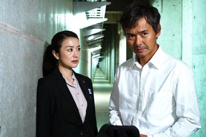 鈴木京香、渡部篤郎(C)テレビ東京