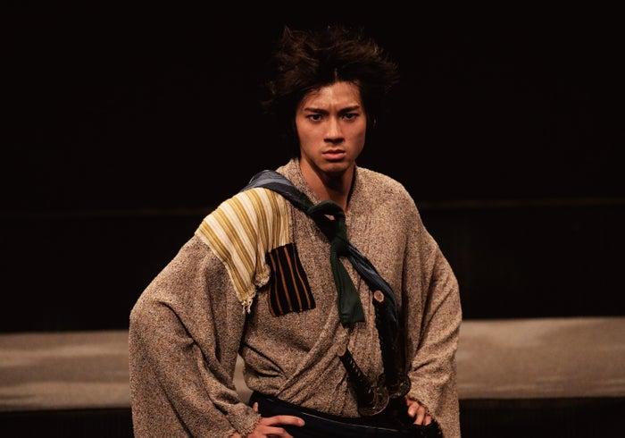 主演舞台「宮本武蔵(完全版)」の初日公演を行った山田裕貴(画像提供:所属事務所)