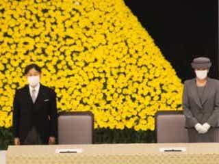 天皇陛下、戦没者追悼式で新型コロナに言及 「新たな困難に直面」 終戦の日の15日、日本武道館で、全国戦没者追悼式が開かれた。新型コロナウイルスの感染拡大により、徹底した感染対策のもとおこなわれた。