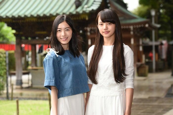 清原果耶、SKE48松井珠理奈と姉妹に 息ぴったりコンビにプロデューサーも笑み(左から)松井珠理奈、清原果耶(C)TBS