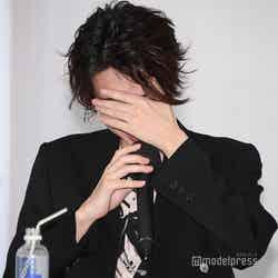 桃田賢斗選手からのビデオメッセージを聞き驚くカルマ