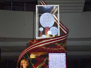 BENI、ヒカリエ初のクリスマスツリー点灯式で「クリスマス・イブ」初披露