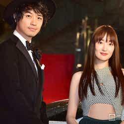 「第29回東京国際映画祭」のレッドカーペットに登場した斎藤工(左)と高梨臨 (C)モデルプレス