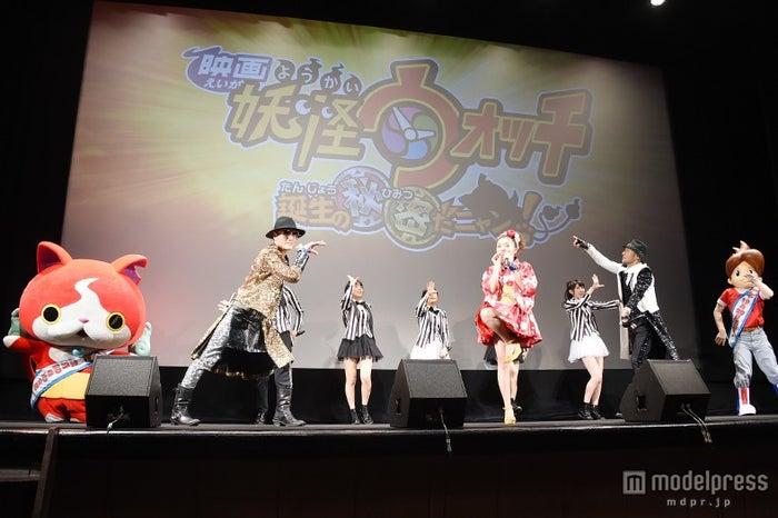ジバニャン、ケータ、Dream5、キング・クリームソーダ「妖怪ウォッチ」豪華出演で「ゲラゲラポーを披露」【モデルプレス】