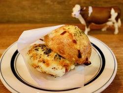 7種のチーズがたっぷり「チーズトースト」が美味! チーズ尽くしのカフェ&バーが、高円寺で密かな人気に